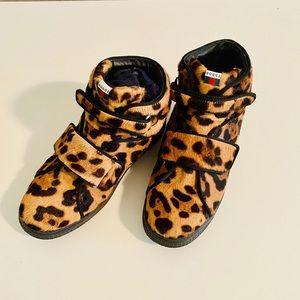 GUCCI KIDS Leopard Fur Boots